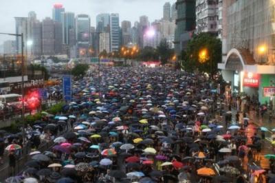 У Гонконзі протестувальники вимагають повернути жителям міста британське громадянство
