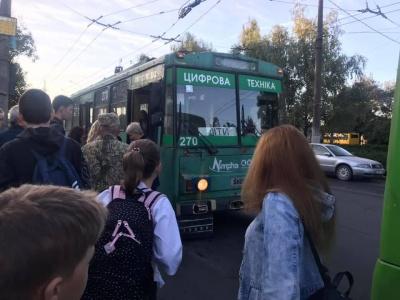 У Чернівцях почали курсувати два тролейбуси для дітей