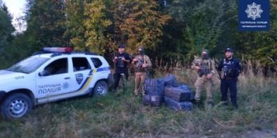 """На Буковині поліцейські разом з прикордонниками затримали """"сигаретників""""-втікачів"""