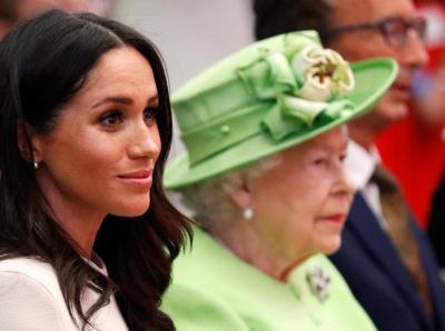 Королівські пристрасті: Єлизавета ІІ заборонила згадувати про Меган Маркл в її присутності – ЗМІ