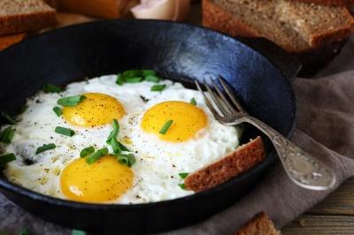 Яйця не можна їсти більше 3 штук на тиждень: дослідження вчених