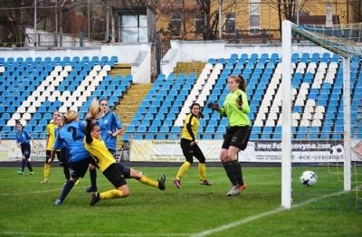 Футбол: як зіграла дівоча команда з Буковини у чемпіонаті України