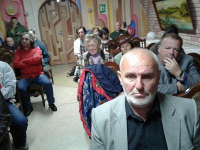 Телеведучий Василь Ілащук розкритикував організацію ювілейної «Червоної рути» в Чернівцях