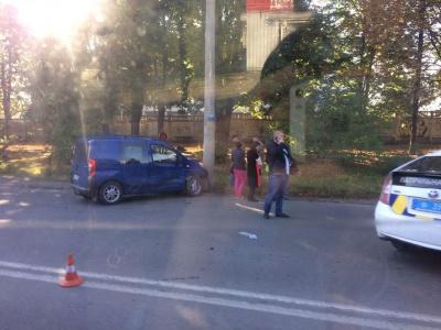 ДТП на Південно-Кільцевій: внаслідок зіткнення двох авто постраждала дитина
