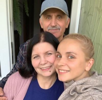 «Приїжджайте до батьків частіше»: Лілія Ребрик завітала у рідні Чернівці