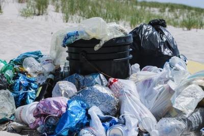 В Україні хочуть заборонити деякі види пластикових пакетів