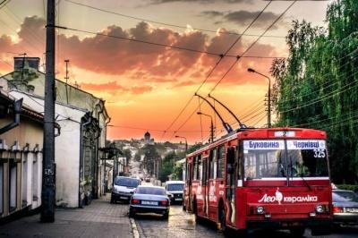 У Чернівцях громадський транспорт змінить маршрут руху через проведення «Буковинської милі»