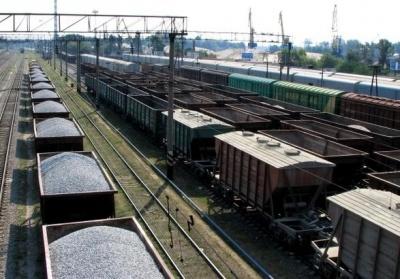 Міністр інфраструктури заявив, що не підтримує ідею зупинення залізничного сполучення з РФ