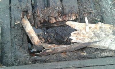 Гірська школа на Буковині просить владу відремонтувати небезпечний міст – фото