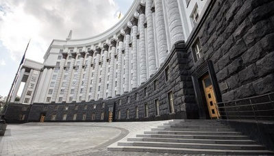 """Кабмін тимчасово """"поновив у правах"""" податкову міліцію"""