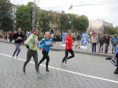 У Чернівцях через змагання сьогодні змінили рух тролейбуси та маршрутки