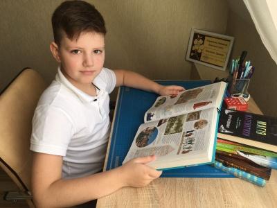 У Чернівцях 10-річний вундеркінд вивчає шкільну програму старших класів