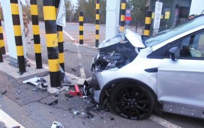 На Чернігівщині п'яний чоловік на авто намагався прорватися через кордон