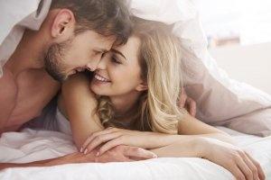 «Про що ти думаєш?»: чи варто розмовляти з чоловіком в ліжку