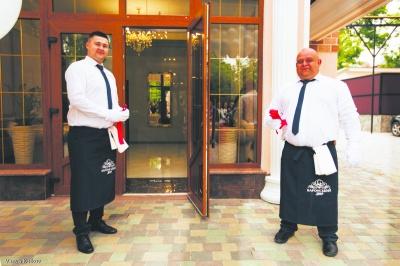 Затишний готельно-ресторанний комплекс «Баронський Двір» відкрився у центрі Садгори.  5 причин відвідати. (на правах реклами)
