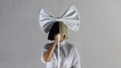 Співачка Sia страждає від неврологічного розладу: подробиці