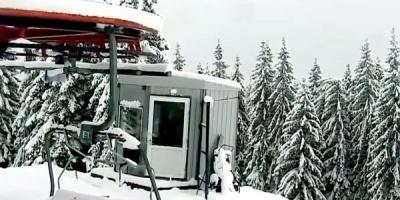 У Карпатах випало до пів метра снігу - відео