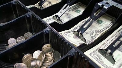 Долар в Україні різко подорожчав після стрибка вниз