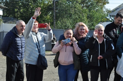 Осінний призов: з Кіцманя урочисто відправили 36 юнаків до Збройних сил України