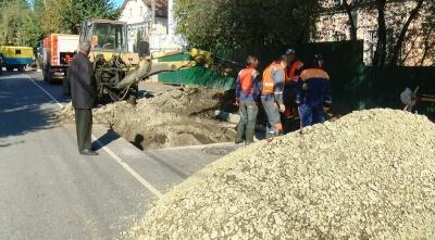 Розкопки на Щербанюка: у водоканалі кажуть, що пошкодили лише 6 кв м нового асфальту