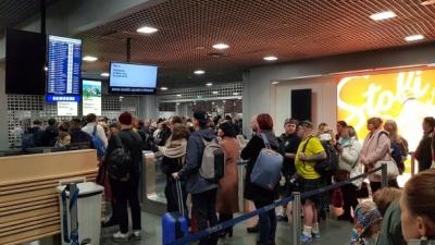 20 українців застрягли в аеропорту Риги через байдужість працівників: деталі