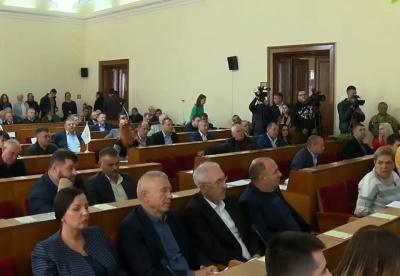 Чернівецька облрада з суперечками підтримала звернення до Зеленського щодо «формули Штайнмаєра»