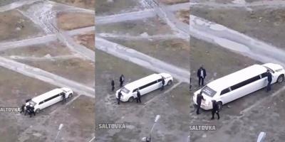 Весільний кортеж застряг у багнюці на футбольному полі – курйозне відео