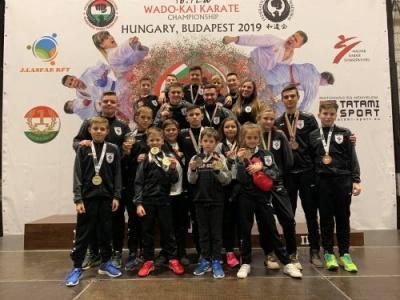 Чернівецькі каратисти привезли з Будапешту 23 медалі