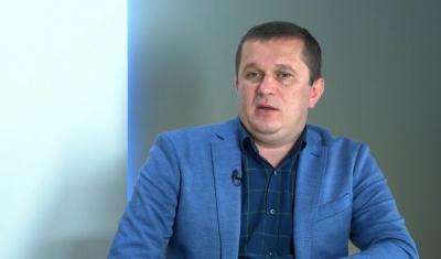 Гах заявив, що війни підрядників блокують ремонти доріг на Буковині