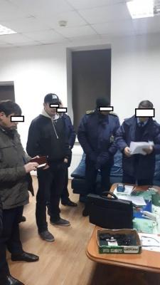 ДБР проводить масові обшуки на Львівській митниці
