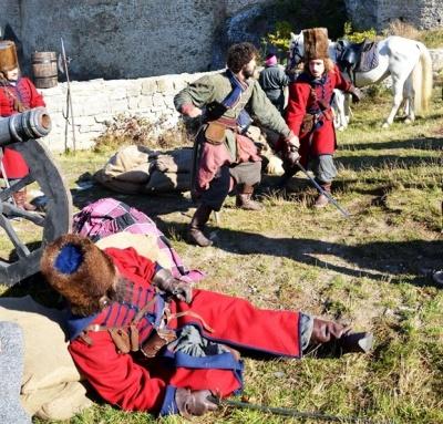 «Абсолютно лживая история»: в Хотинской крепости снимали приключенческий сериал о казаках
