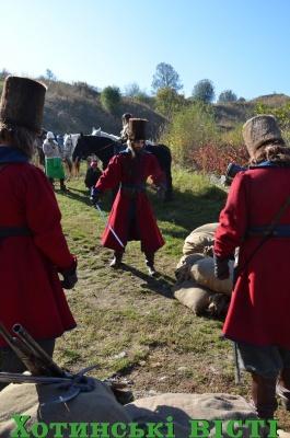 «Абсолютно брехлива історія»: у Хотинській фортеці знімали пригодницький серіал про козаків