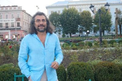 Голлівудський актор Алекс Відов розповів про своє дитинство у Чернівцях