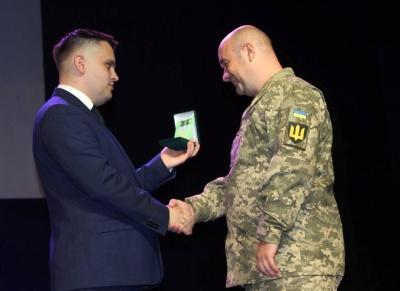 Двох військових з Буковини нагородили орденом «За мужність»