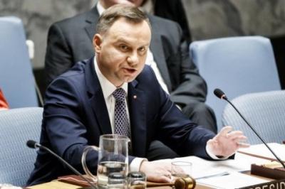 Президент Польщі закликав продовжити тиск на Росію