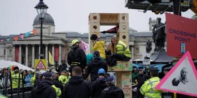 У Лондоні на страйку екоактивістів затримали бельгійську принцесу
