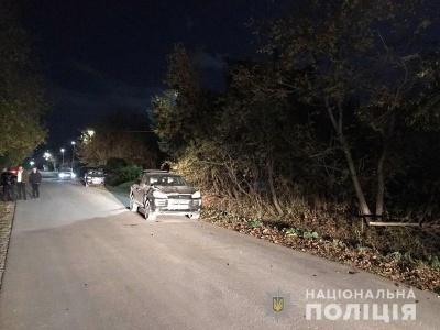 На Буковині Porsche Cayenne збив молоду жінку