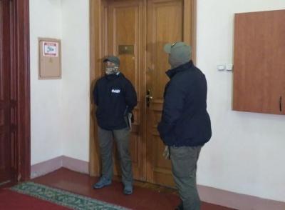 Обшуки НАБУ в Чернівецькій облраді: Мунтяна немає на робочому місці