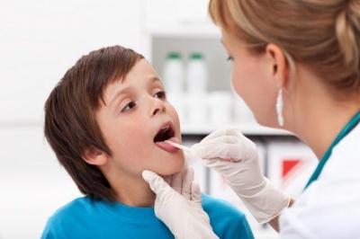 Професори навчать лікувати нежить і бронхіт у дітей