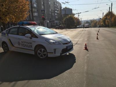 У Чернівцях на перехресті Героїв-Майдану-Комарова тимчасово перекрили рух