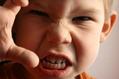 Чому в дітей виникає агресія