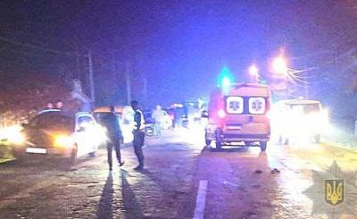 На Буковині мікроавтобус наїхав на пенсіонера, що лежав на дорозі – чоловік загинув