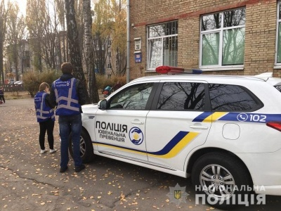У Києві семикласниця вистрибнула з вікна 4-го поверху школи