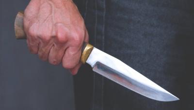На Буковині поліція вилучила в чоловіка холодну зброю – йому загрожує 3 роки тюрми