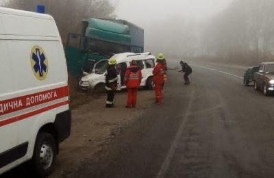 У ДТП на трасі «Житомир–Чернівці» загинула ціла сім'я – фото