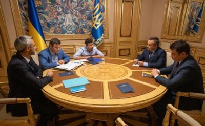 Президент проведе екстрену зустріч з керівниками САП та НАБУ