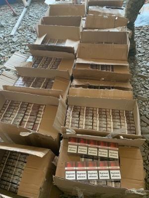 На Буковині контрабандисти-втікачі покинули партію сигарет на пів мільйона