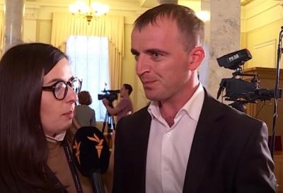 «Пізніше зустрінемось»: нардеп-фермер від «Слуги народу» оконфузився в інтерв'ю