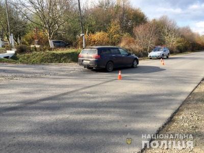 На Буковині внаслідок зіткнення двох легковиків травмувався чоловік – фото