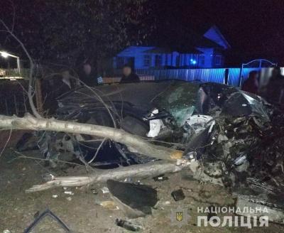 Зніс електроопору і дерево: в поліції розповіли деталі смертельної ДТП на Буковині